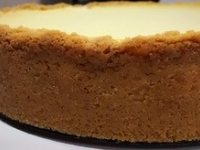 Cheesecake Maker Brings Family Favorites to Farmers' Market