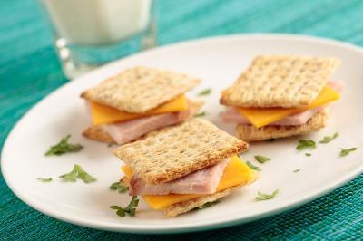 cracker sandwich