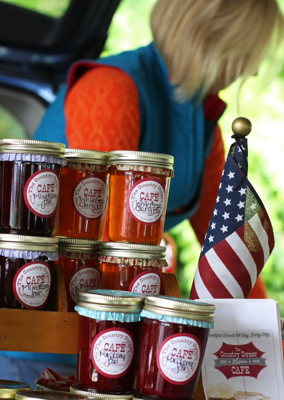 Saratoga Cafe Brings its Special Touch of Sweetness to Farmers' Market