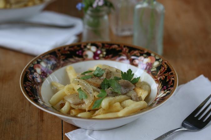 Spätzle with Mushroom Cream Sauce